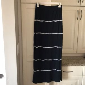 American Eagle Blue/white maxi skirt size Small
